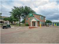 Image of Extra Space Self Storage Facility on 3308 Waypoint Dr in Carrollton, TX