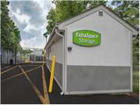 Image of Extra Space Self Storage Facility on 725 US-1 in Iselin, NJ