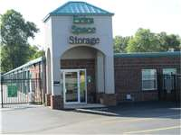 Image of Extra Space Self Storage Facility on 1121 N Coliseum Blvd in Fort Wayne, IN