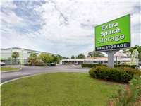 Image of Extra Space Self Storage Facility on 4950 N Dixie Hwy in Oakland Park, FL