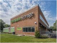Image of Extra Space Self Storage Facility on 2 Douglas St in Bloomfield, CT