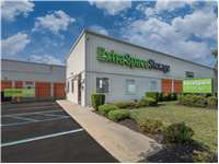 Image of Extra Space Self Storage Facility on 541 Acorn St in Deer Park, NY