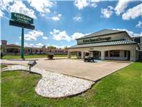Image of Extra Space Self Storage Facility on 5236 East Fwy in Baytown, TX