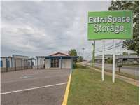 Image of Extra Space Self Storage Facility on 3417 Fontaine Rd in Memphis, TN