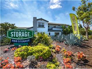 Extra Space Storage facility on 4705 N River Rd - Oceanside, CA