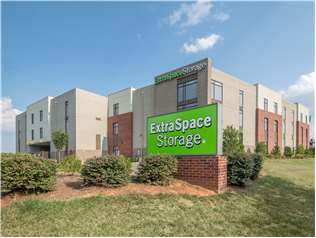 Extra Space Storage facility on 14124 Boren St - Huntersville, NC