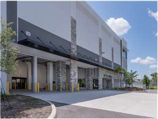 Extra Space Storage facility on 4191 W Hillsboro Blvd - Coconut Creek, FL