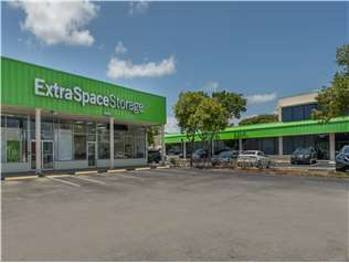 Extra Space Storage facility on 750 E Sample Rd - Pompano Beach, FL