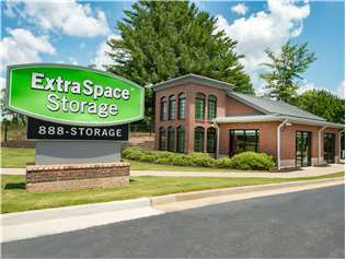 Extra Space Storage facility on 1172 Auburn Rd - Dacula, GA