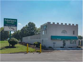 Su closed & Storage Units in Columbus OH at 3015 W Dublin Granville Rd | Extra ...
