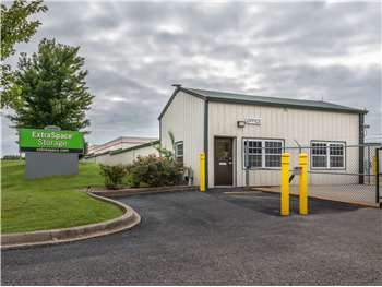 Storage Units in Louisville, KY at 11440 Blankenbaker Access Dr