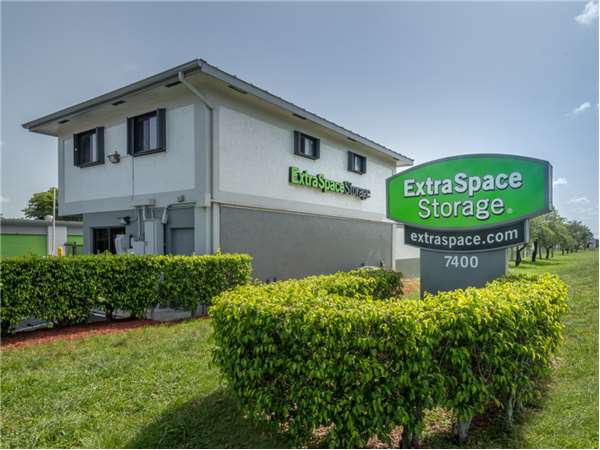 Image of Extra Space Storage Facility on 7400 W McNab Rd in North Lauderdale, FL