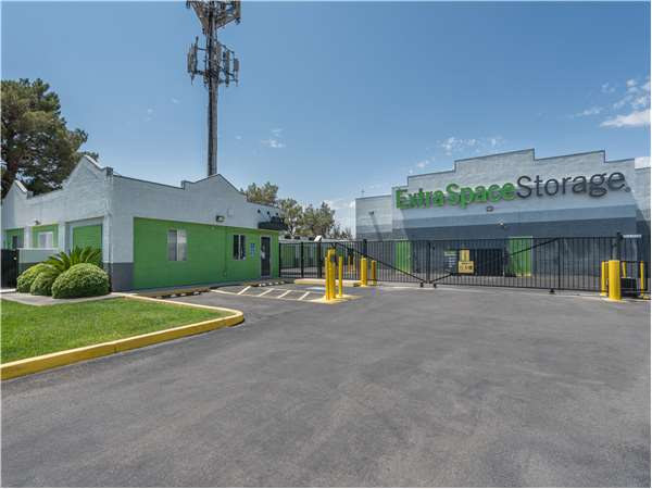 Good Image Of Extra Space Storage Facility On 1399 N Rainbow Blvd In Las Vegas,  NV