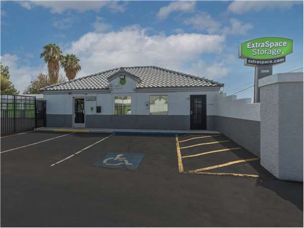 Image of Extra Space Storage Facility on 3008 E Sunset Rd in Las Vegas, NV