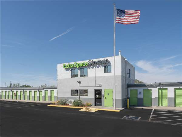 Image of Extra Space Storage Facility on 201 Eubank Blvd SE in Albuquerque, NM