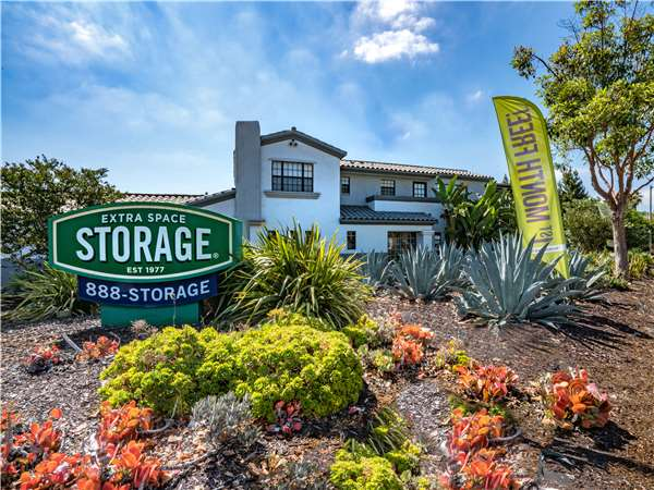 Image of Extra Space Storage Facility on 4705 N River Rd in Oceanside, CA