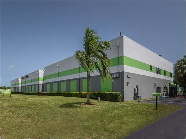 Image of Extra Space Storage Facility on 6550 W State Road 84 in Davie, FL