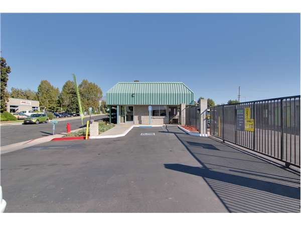 Image of Extra Space Storage Facility on 321 Alabama St in Redlands, CA