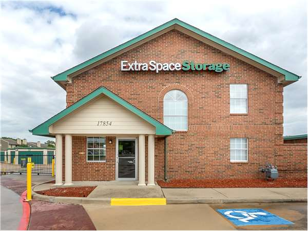 Image of Extra Space Storage Facility on 17854 Preston Rd in Dallas, TX