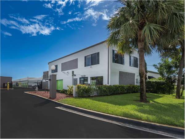 Superieur Image Of Extra Space Storage Facility On 3090 NW 2nd Ave In Boca Raton, FL