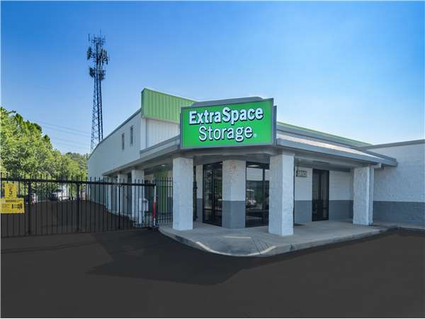 Image of Extra Space Storage Facility on 7222 Riverdale Bend Rd in Memphis, TN