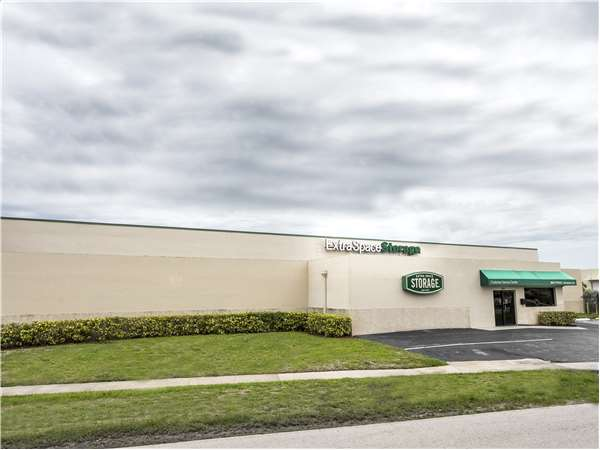 Image of Extra Space Storage Facility on 17531 NW 2nd Ave in Miami, FL