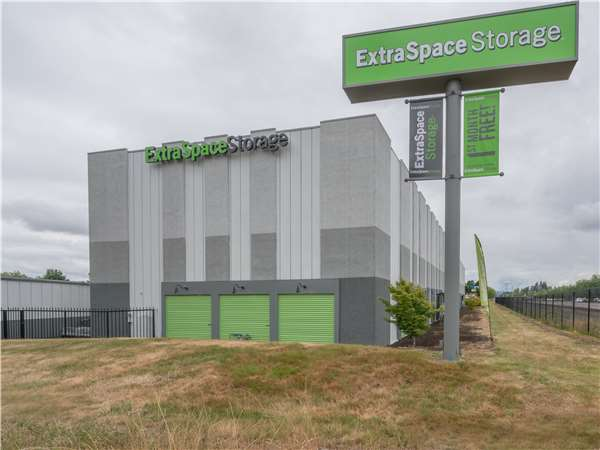 Image of Extra Space Storage Facility on 2909 SE 67th Ave in Hillsboro, OR
