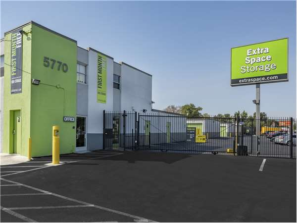 Beau Entry To Extra Space Storage Facility Near Auburn Blvd In Sacramento, ...
