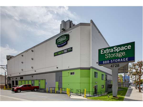 Image of Extra Space Storage Facility on 4728 Fountain Ave in Los Angeles, CA