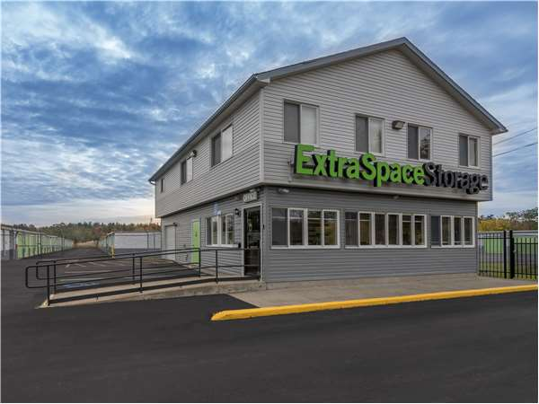 Image of Extra Space Storage Facility on 2820 Route 32 in Saugerties, NY