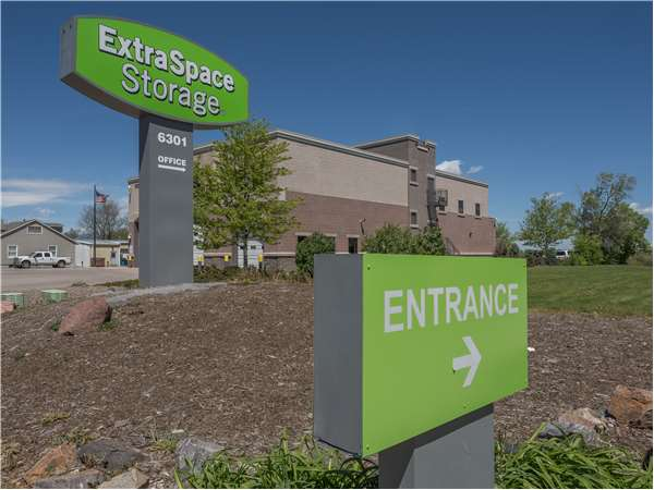 Image of Extra Space Storage Facility on 6301 W Mississippi Ave in Lakewood, CO