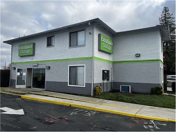 Image of Extra Space Storage Facility on 540 6th St in Roseville, CA