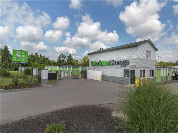 Image of Extra Space Storage Facility on 2160 Innis Rd in Columbus, OH