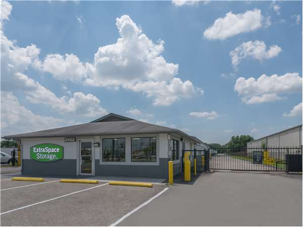 Superior Image Of Extra Space Storage Facility On 6708 Preston Hwy In Louisville, KY