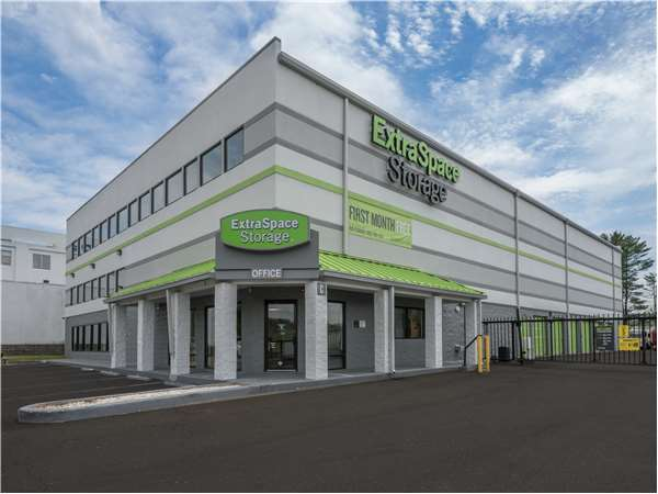 Exceptionnel Image Of Extra Space Storage Facility On 1934 W Main St In Stamford, CT