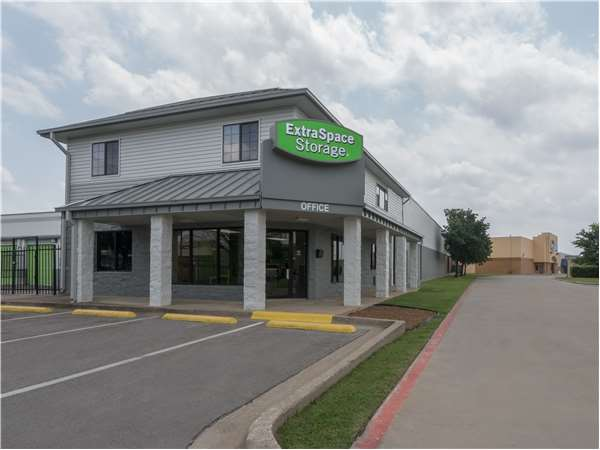 Image of Extra Space Storage Facility on 12190 Inwood Rd in Dallas, TX
