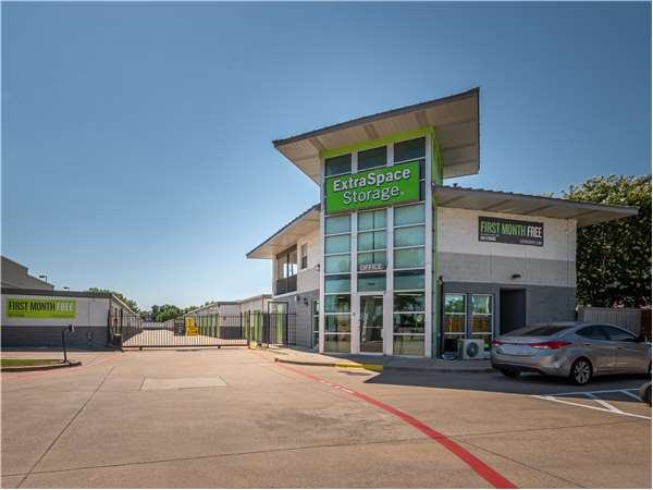 Image of Extra Space Storage Facility on 19211 Preston Rd in Dallas, TX