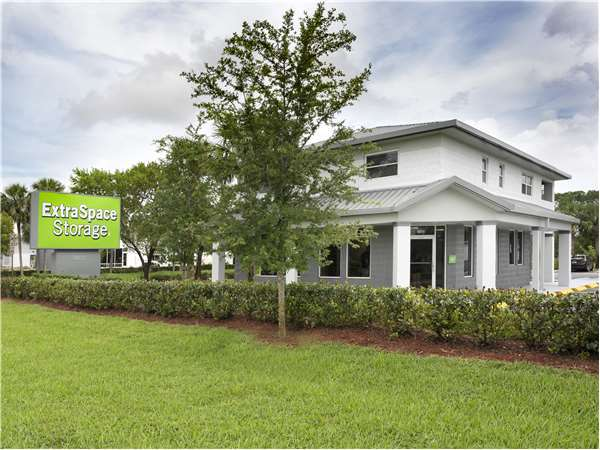 Image of Extra Space Storage Facility on 5580 Okeechobee Blvd in West Palm Beach, FL