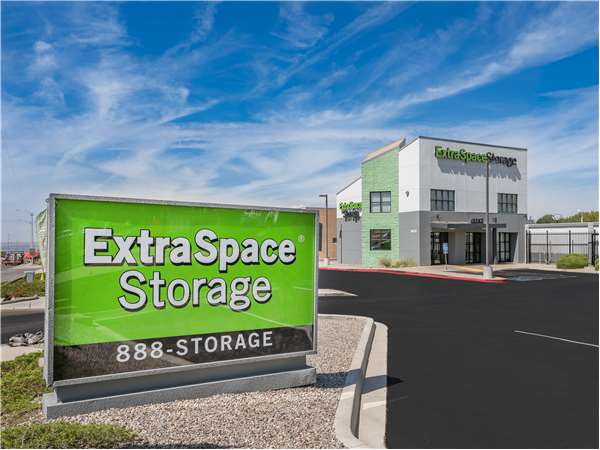 Image of Extra Space Storage Facility on 9831 Montgomery Blvd NE in Albuquerque, NM