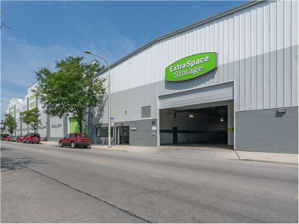 Image of Extra Space Storage Facility on 4400 W Addison St in Chicago, IL