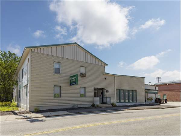 Image of Extra Space Storage Facility on 1590 Concord St in Framingham, MA