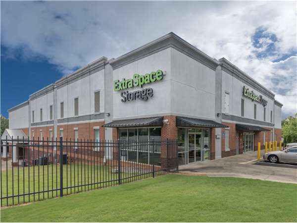 Image of Extra Space Storage Facility on 6260 Abbotts Bridge Rd in Duluth, GA