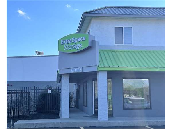 Image of Extra Space Storage Facility on 199 Wilmington West Chester Pike in Chadds Ford, PA