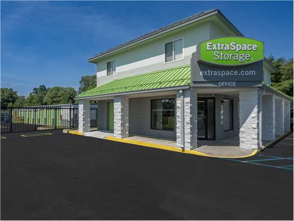 Image of Extra Space Storage Facility on 700 Bristol Pike in Bensalem, PA