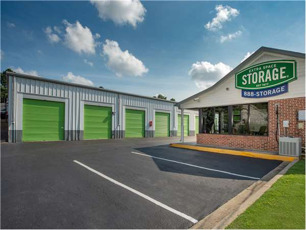 Image of Extra Space Storage Facility on 2135 Columbiana Rd in Birmingham, AL