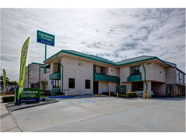 Image of Extra Space Storage Facility on 6942 Garden Grove Blvd in Westminster, CA