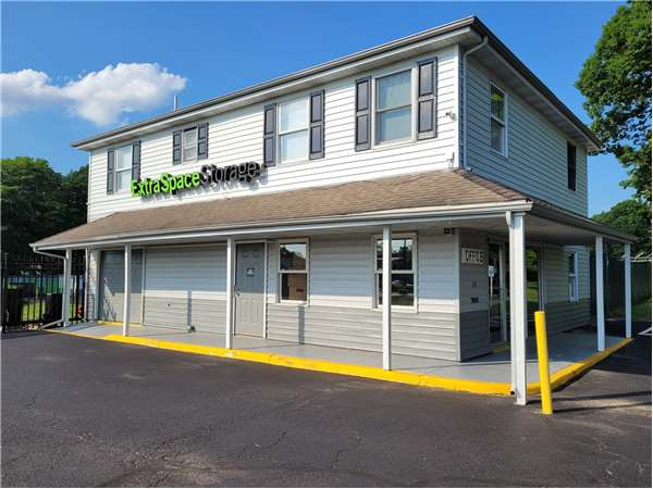 Image of Extra Space Storage Facility on 339 N White Horse Pike in Lawnside, NJ