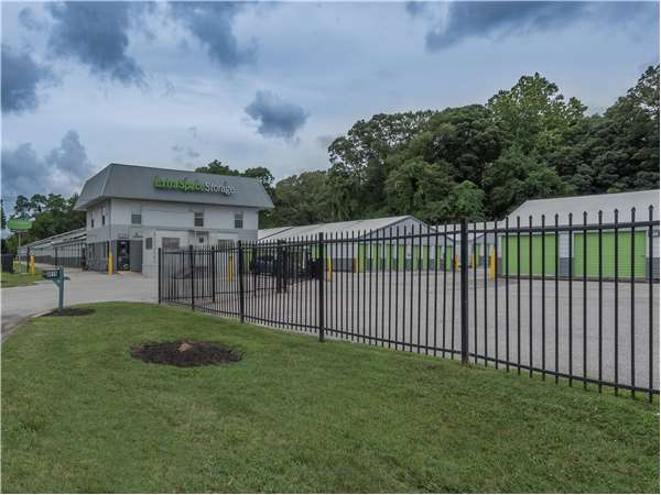 Image of Extra Space Storage Facility on 8919 Fort Smallwood Rd in Pasadena, MD
