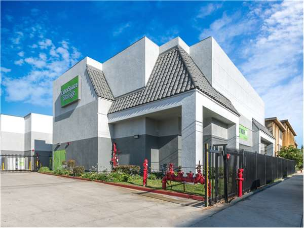 Entry To Extra Space Storage Facility Near Rosselle Ave In Hawthorne, CA ...