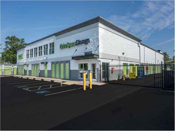 Image of Extra Space Storage Facility on 634 Plain St in Marshfield, MA